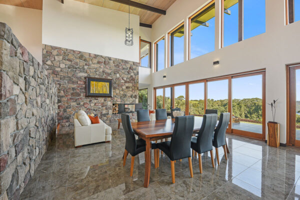 Real Estate Photographer Sunshine property photos captures stunning images of your house for sale. Sell your property now.
